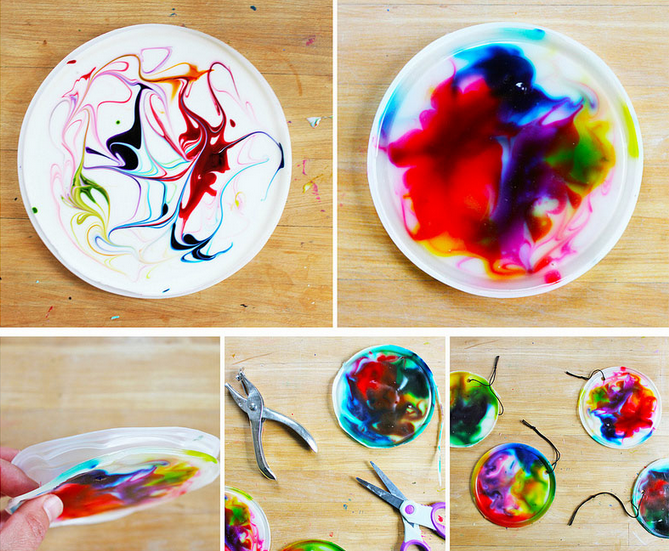 Working with wet glue and dyes by Ana Dziengal